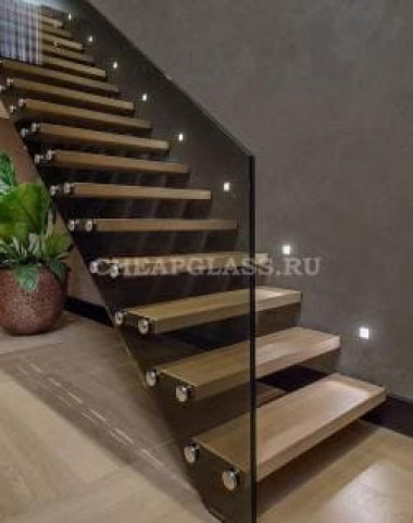 Ограждения из стекла для лестниц